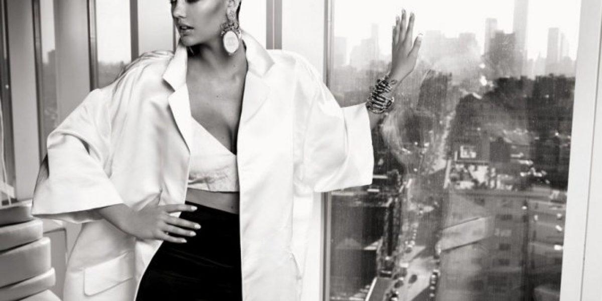 Kate Upton en blanco y negro: protagoniza sexy sesión para Vogue Brasil