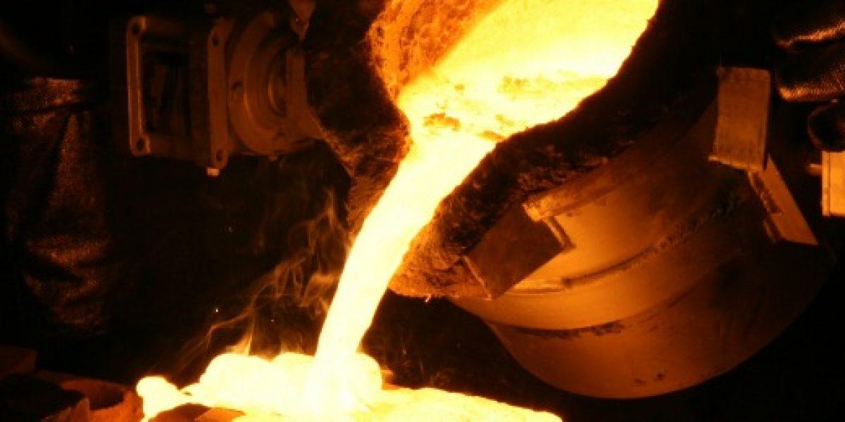 A la baja: ministro de Minería reajusta proyección del precio del cobre para 2013
