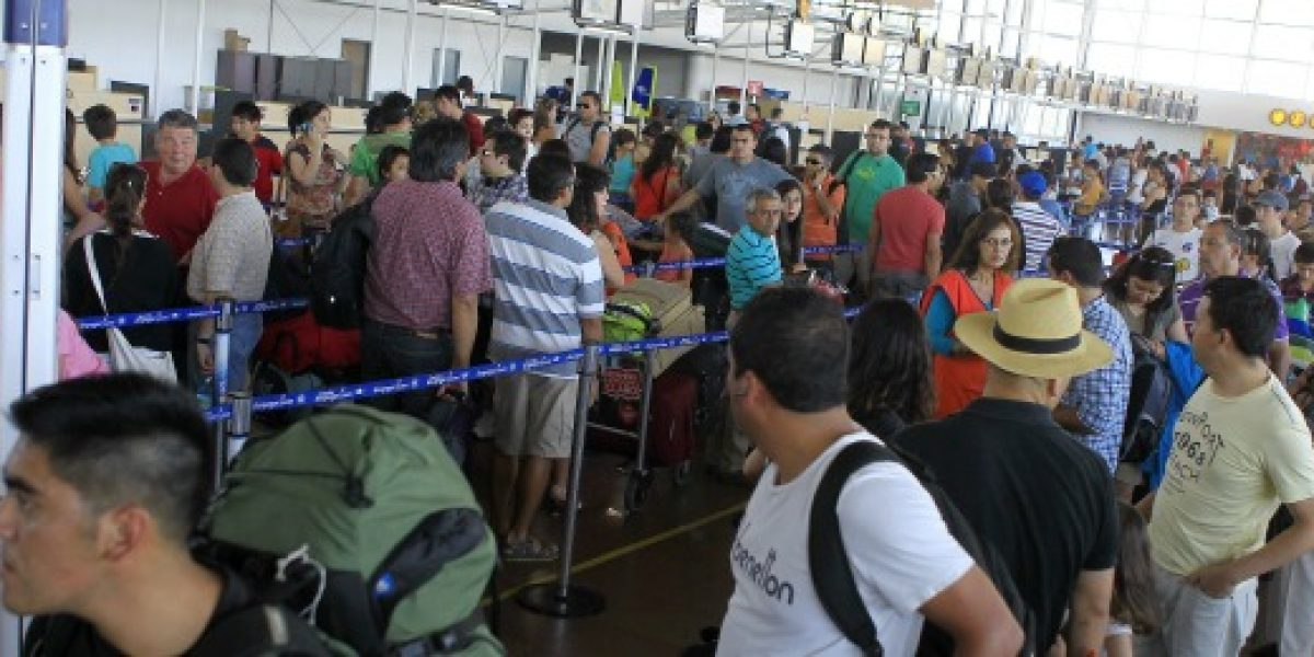 Informan que aeropuertos funcionan con normalidad