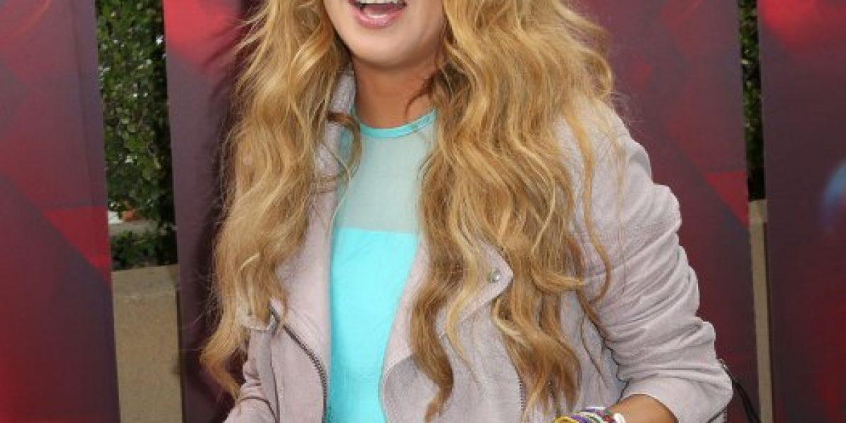 Look hippie de Paulina Rubio opaca a Demi Lovato en