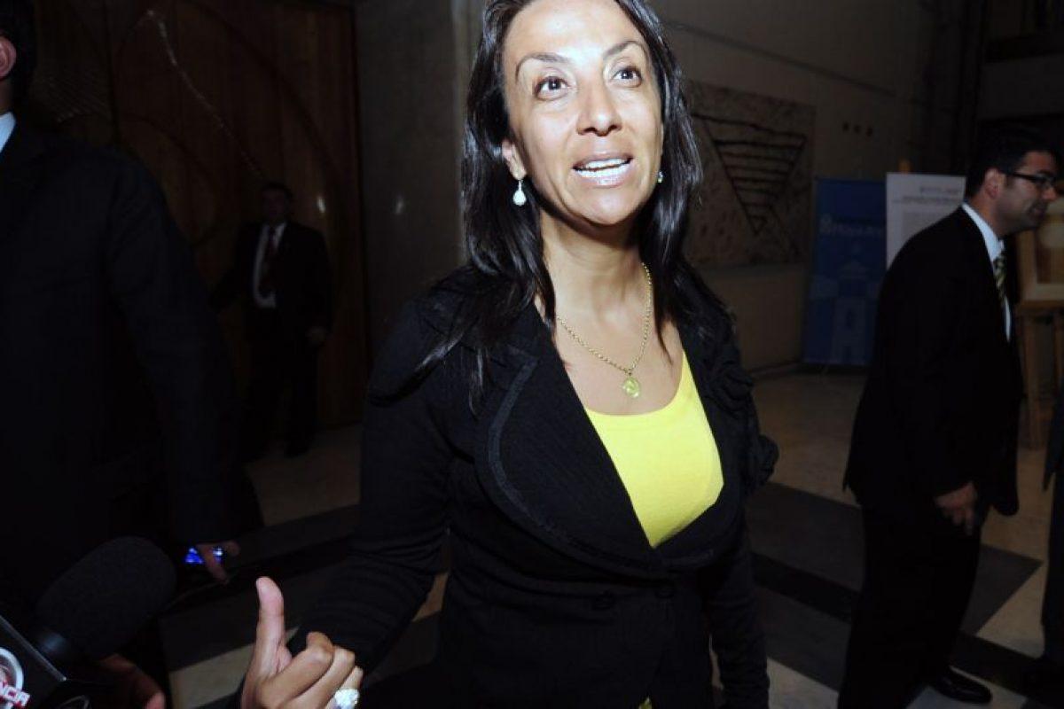 Cecilia Perez realiza declaraciones luego del abandono de Pablo Longueira para la carrera presidencial 2013. Foto:AGENCIA UNO. Imagen Por: