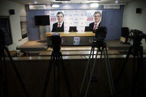 Desolado quedó el comando del ex candidato presidencial de la Alianza, Pablo Longueira Foto:AGENCIA UNO. Imagen Por: