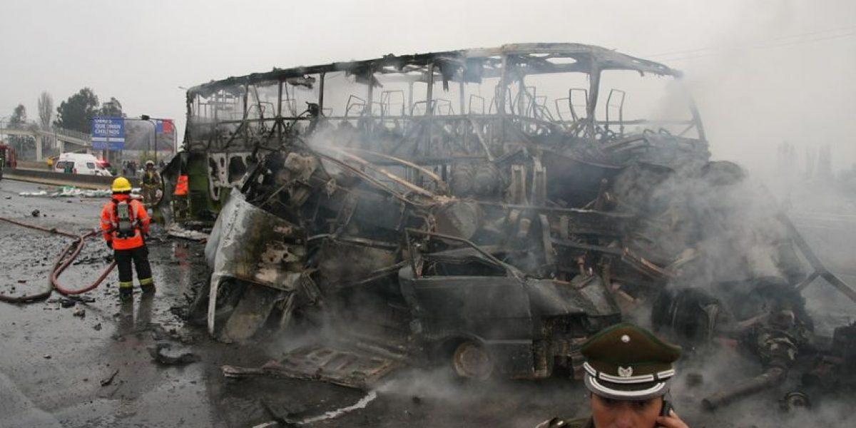 [FOTOS] Tragedia en Ruta 5 Sur: Así terminó el bus consumido por las llamas