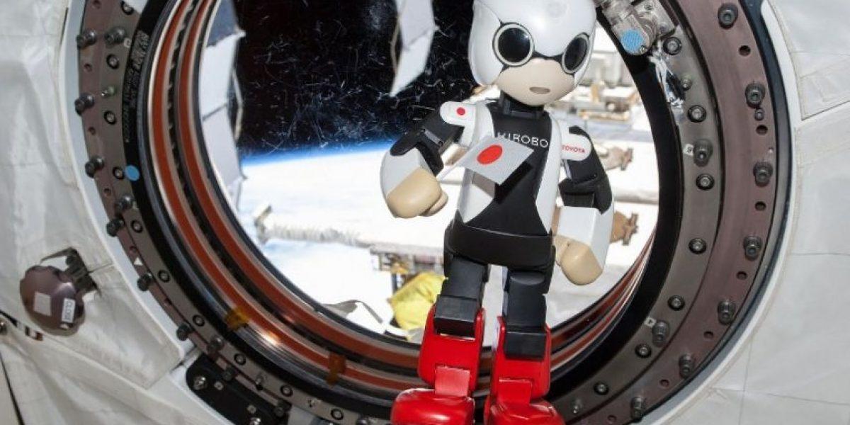 El pequeño robot japonés Kirobo pronunció sus primeras palabras en el espacio