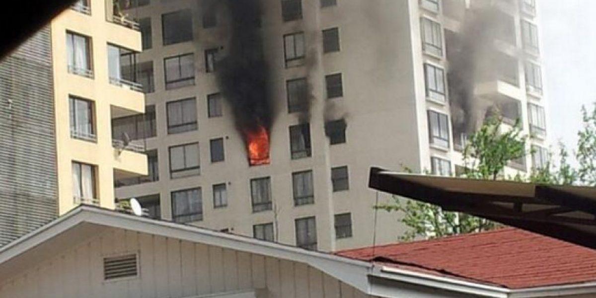 FOTOS: Tuiteros reportan un feroz incendio en un departamento en San Miguel