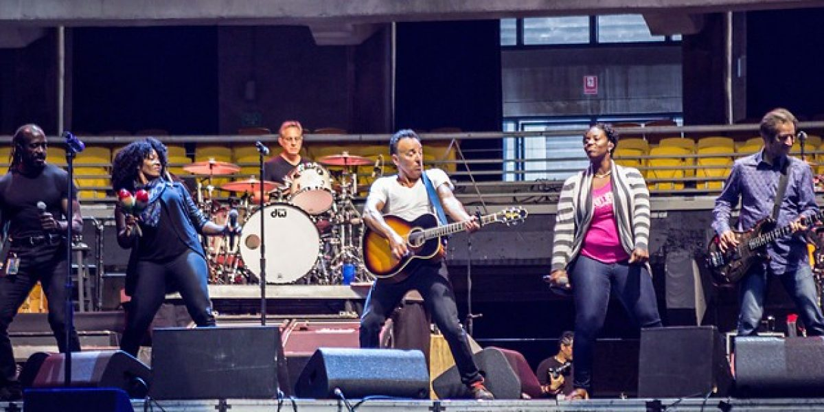 Un relajado Bruce Springsteen recibió a la prensa y ensayó en el Movistar Arena