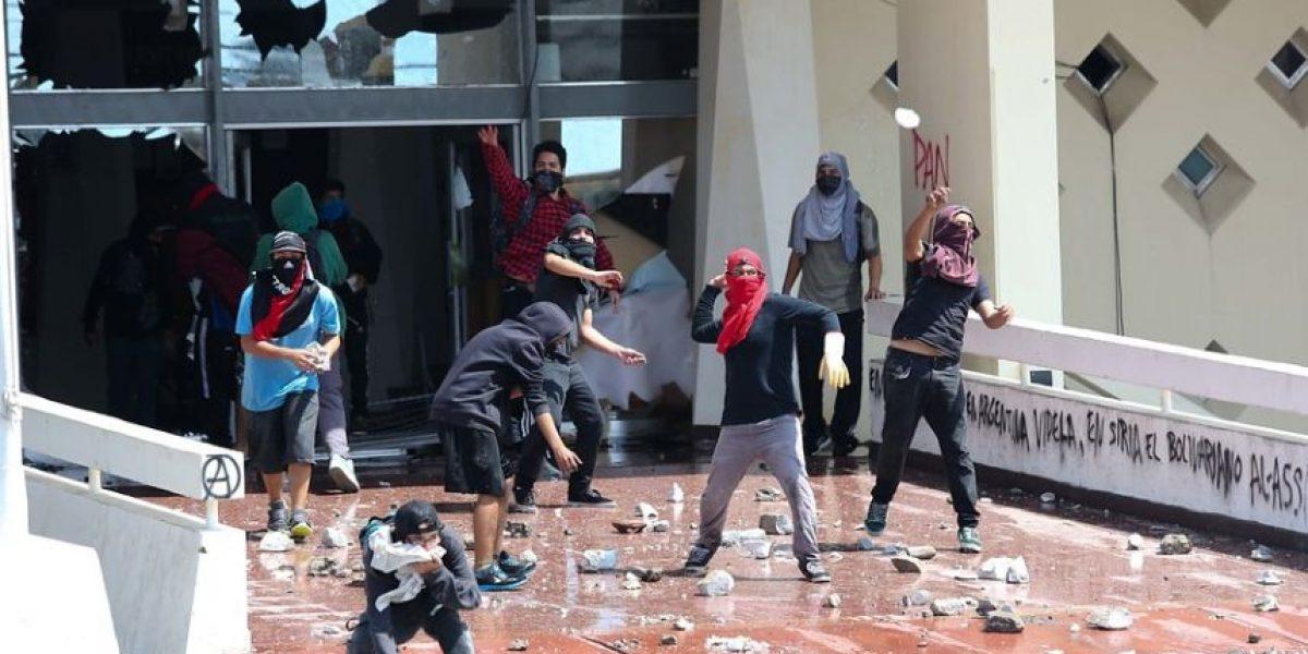 Fotos: Violentos incidentes se registraron en universidad de Arica