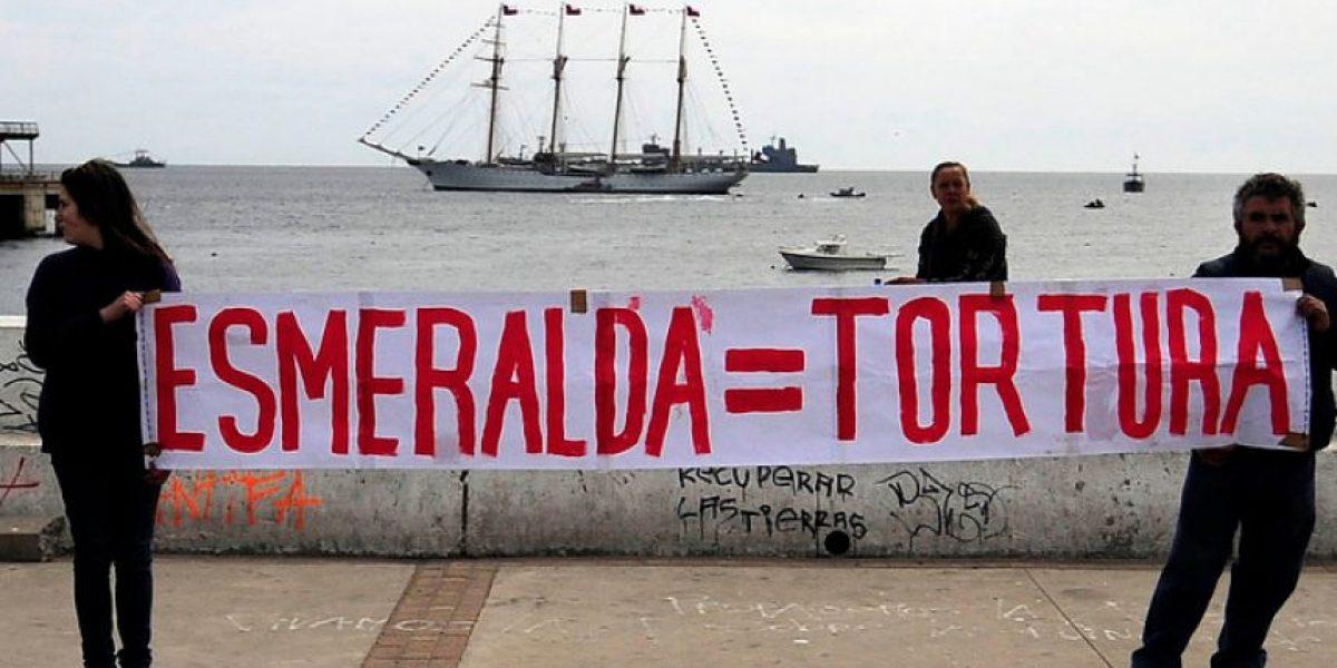 [FOTOS] Protestan con un lienzo contra la
