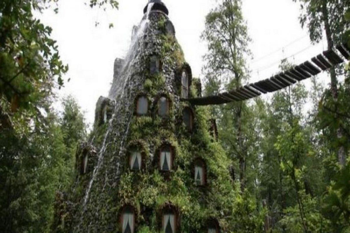 Montaña Mágica Lodge en Chile. Su rareza radica en que está demasiado mimetizado con el paisaje. Imagen Por:
