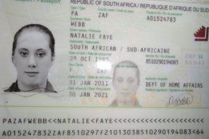 Una foto de pasaporte sudafricano falso de Samantha Lewthwaite liberado por la policía de Kenia Foto:AFP. Imagen Por: