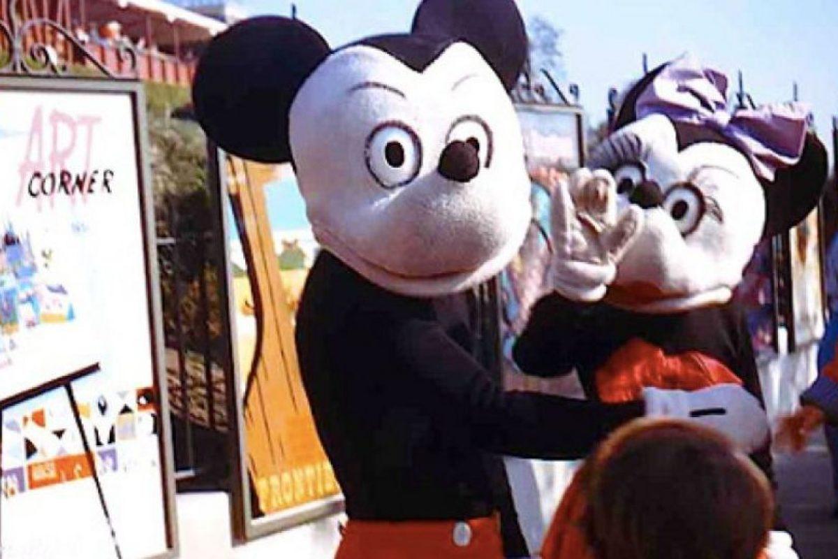 """Luego de su """"periodo fantasmagórico"""", Mickey y Minnie lucían (¿peor?) en los años 50. Imagen Por:"""