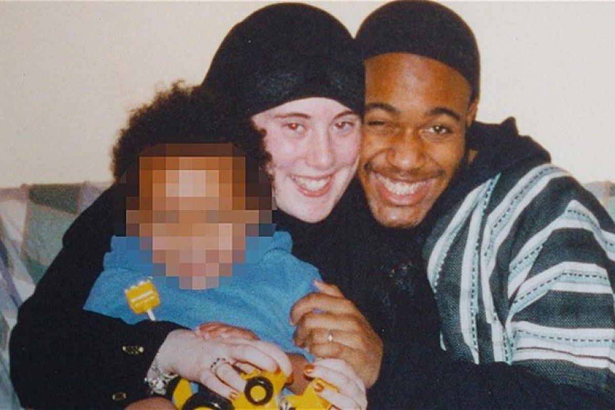 Samantha junto a su marido, Germaine Lindsay, y el hijo mayor de ambos Foto:telegraph.co.uk/. Imagen Por: