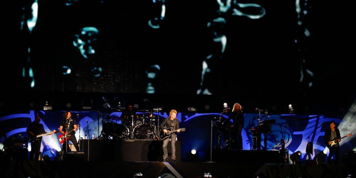 Dulce debut de Nickelback en Chile