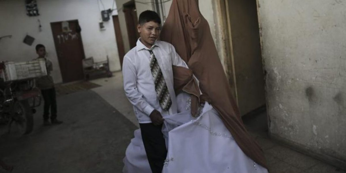 [FOTOREPORTAJE] Así se vive el matrimonio de una pareja de niños en la Franja de Gaza