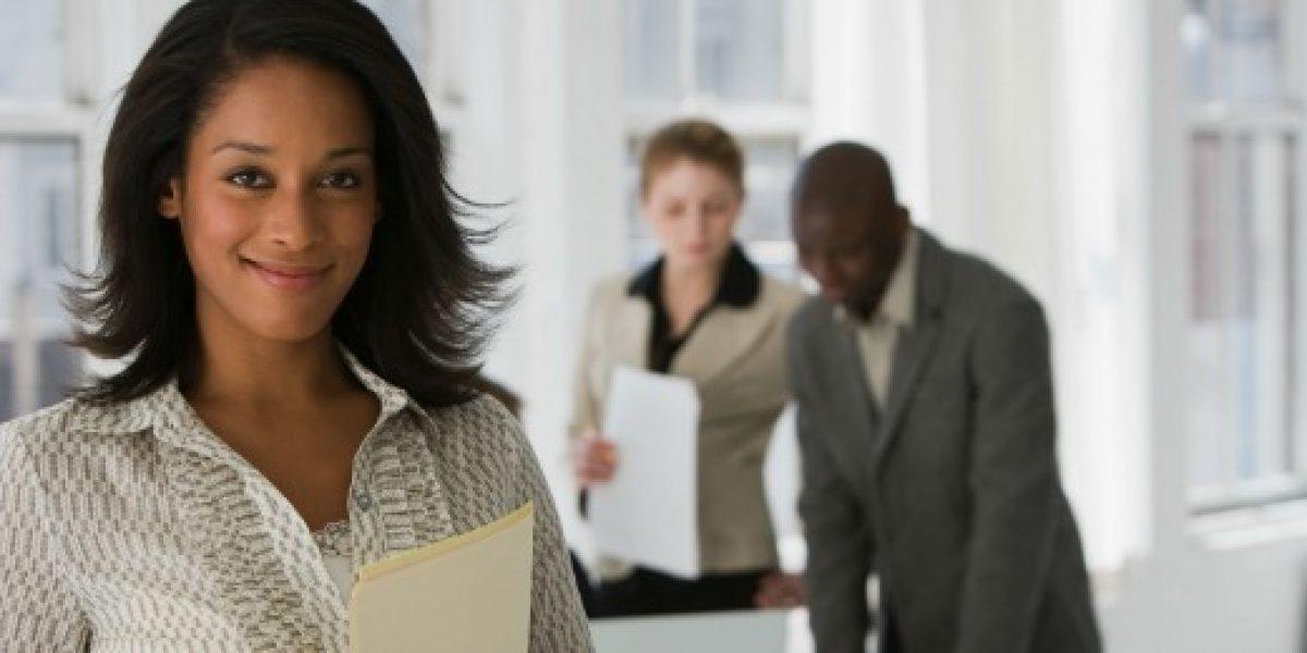 En quince países mujeres aún necesitan permiso de maridos para trabajar