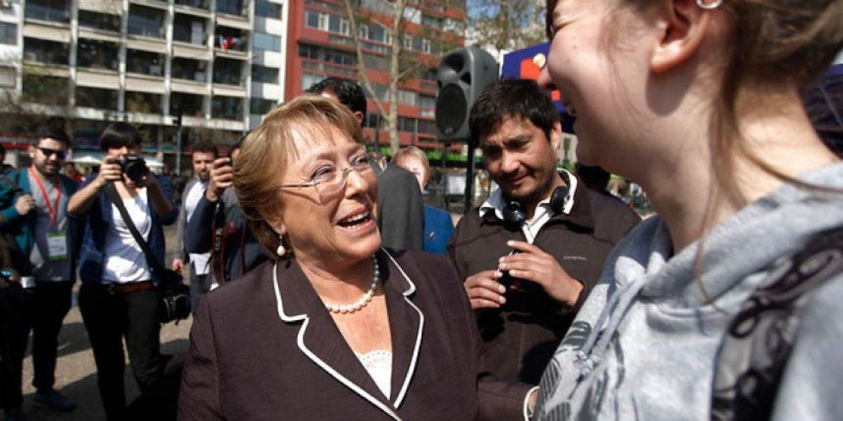 FOTOS: Bachelet inaugura kiosco de productos con su nombre