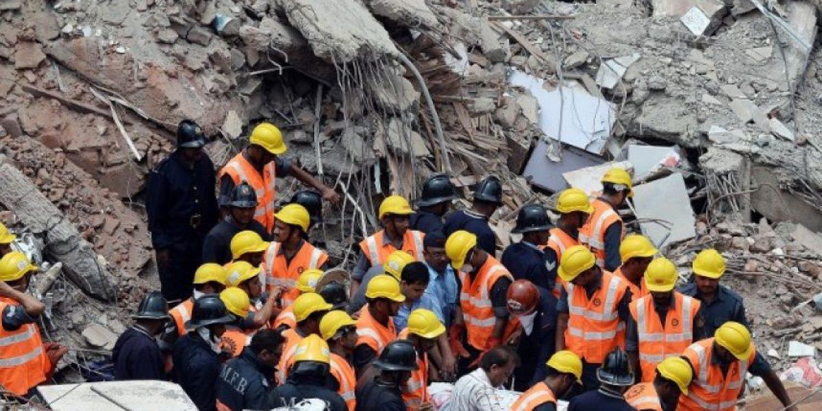 [FOTOS] Tragedia enluta a la India: Derrumbe de edificio deja varios muertos