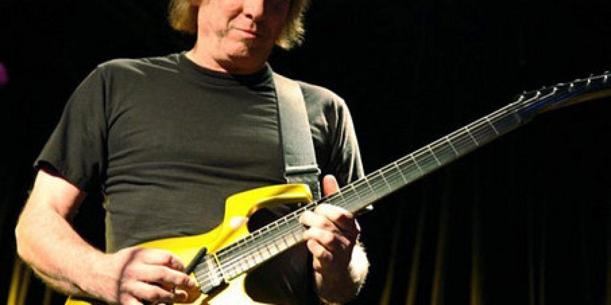 Vocalista y guitarrista de King Crimson, Adrian Belew confirma show en Chile