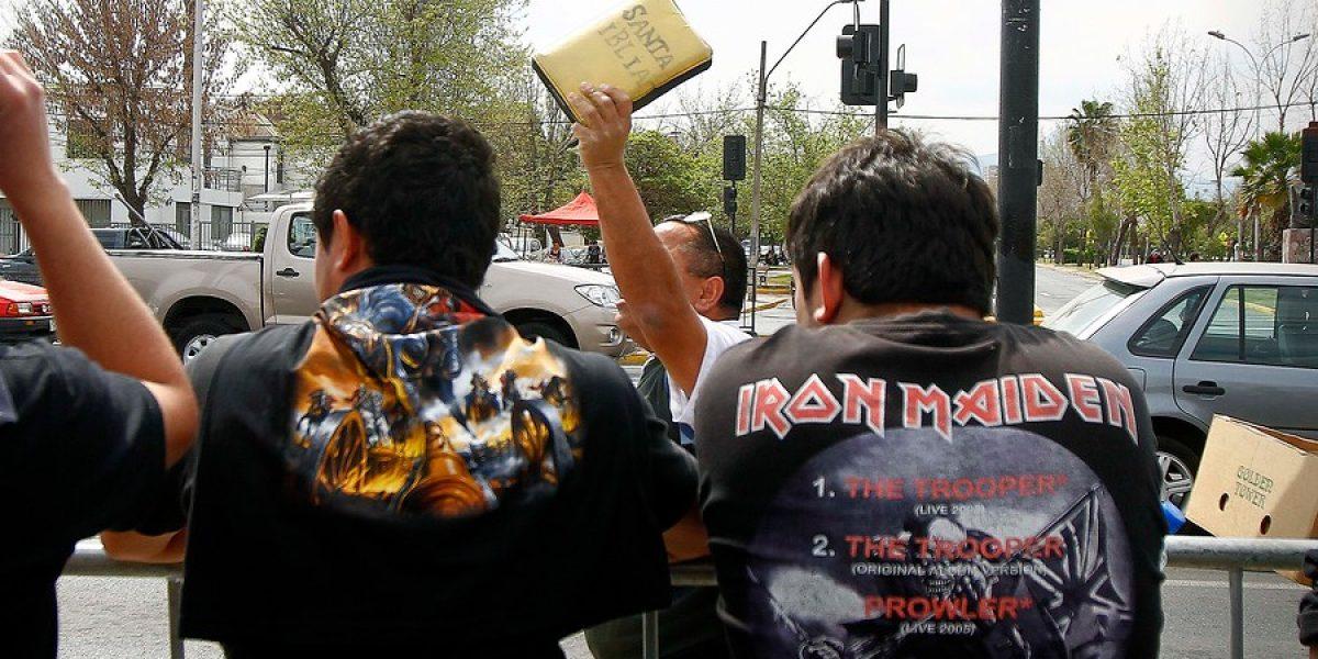 Fanáticos de Iron Maiden llegan en masa al Nacional
