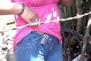 Detenido por colocar un candado al pantalón de su pareja para evitar una infidelidad. Imagen Por: