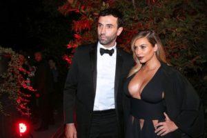 Kim Kardashian no deja nada a la imaginación en Paris. Imagen Por: