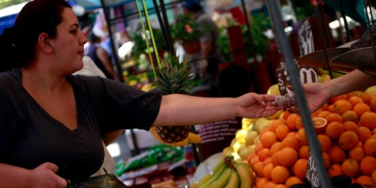Feriantes aseguran que precios de frutas y hortalizas aumentarían en las próximas semanas