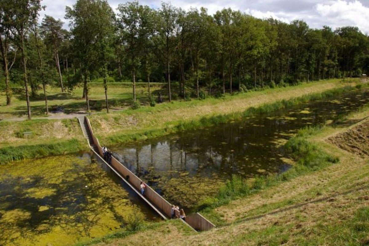 Puente en el fuerte de Roonvere, cercano al pueblo de Halsteren, Países Bajos Foto:BBC. Imagen Por:
