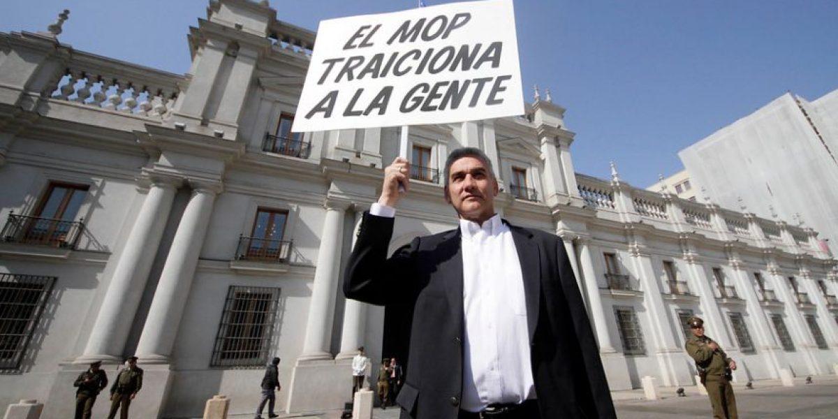 [Fotos] La solitaria protesta contra el MOP de Víctor Barrueto