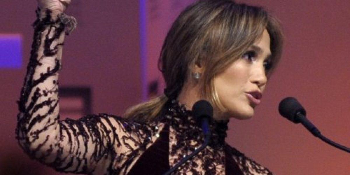Jennifer López despampanante en gala de Human Rights Campaign