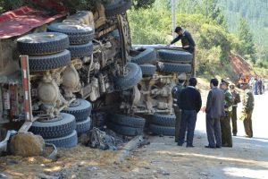 Dos víctimas fatales fue el saldo de un accidente de tránsito que se produjo entre dos camiones que transitaban por la ruta L-30-M entre San Javier y Constitución, en la octava región del país. Foto:Agencia Uno. Imagen Por: