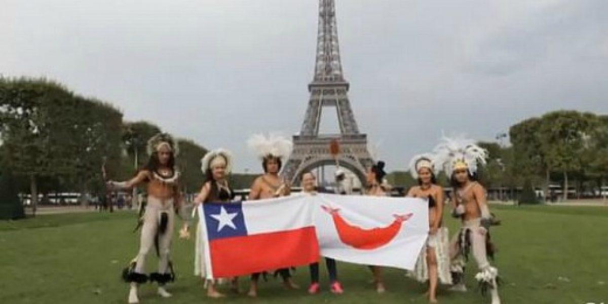 Video: Pascuenses sorprenden con su danza en pleno París