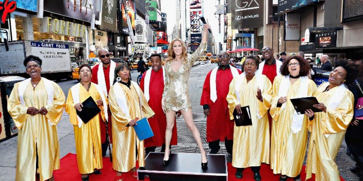 Celine Dion tiene su propia estatua de cera y se luce en Time Square