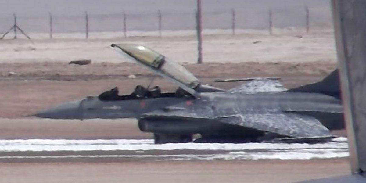 FOTOS: Así quedó el F-16 tras realizar aterrizaje de emergencia en Antofagasta