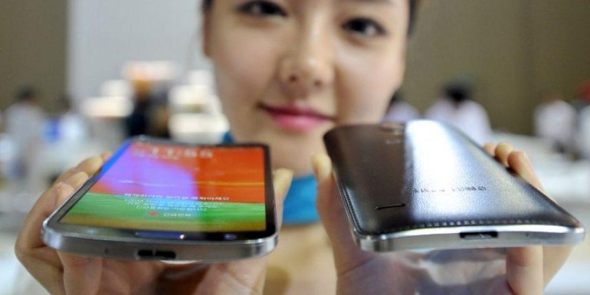 Samsung pone a la venta el primer smartphone de pantalla curva