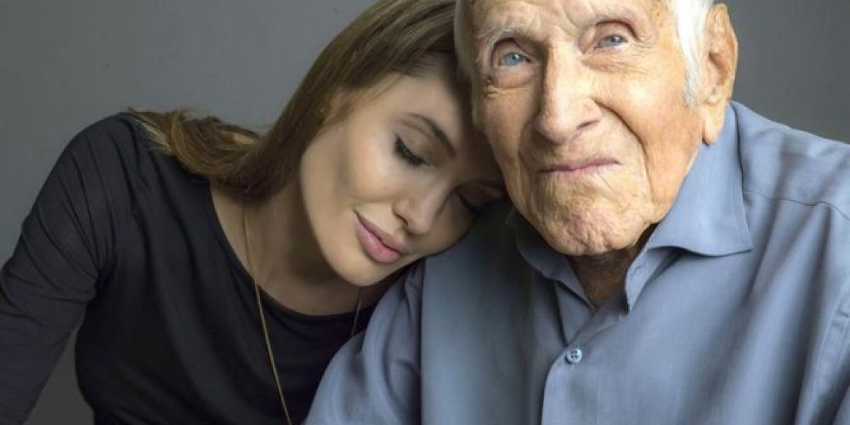 Angelina Jolie posa con Louis Zamperini en la primera imagen de