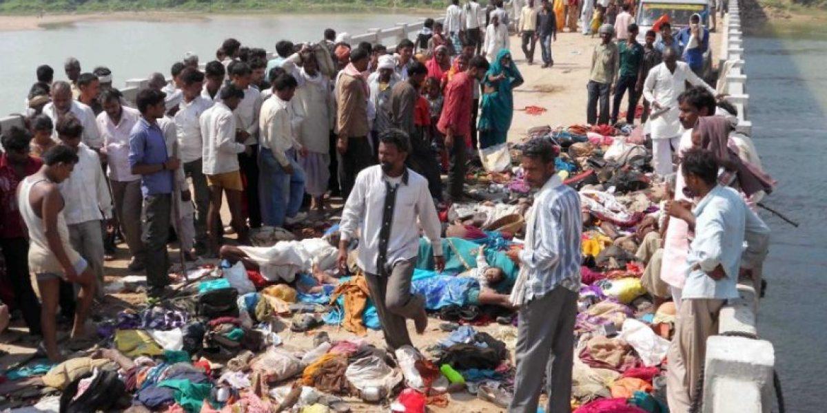 Impactantes imágenes de una estampida que deja más de 80 muertos en la India