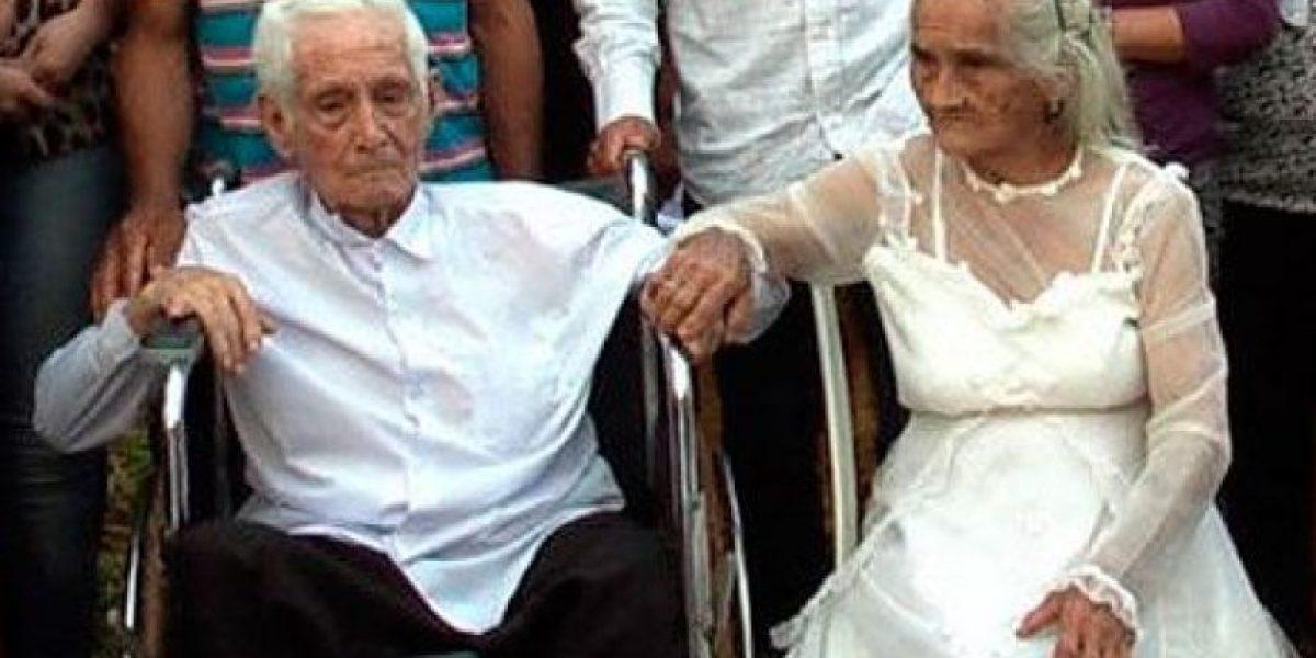 [FOTOS] Pareja de ancianos toma una gran decisión después de 80 años juntos