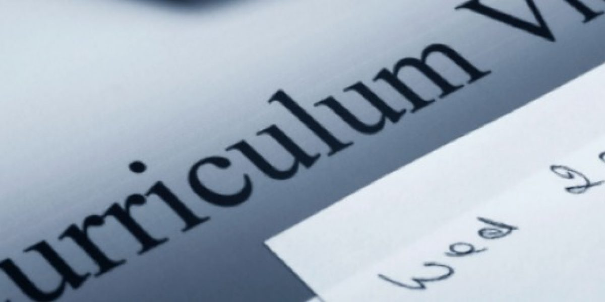 Cuatro consejos básicos para escribir tu primer currículum