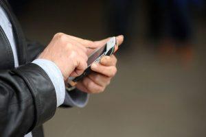 Según la consultora norteamericana, hasta el 70% del los usuarios de móviles han sufrido al menos una vez la alucinación de que su celular suena o vibra, cuando en realidad esto no pasó. Y es cada vez más recurrente.. Imagen Por:
