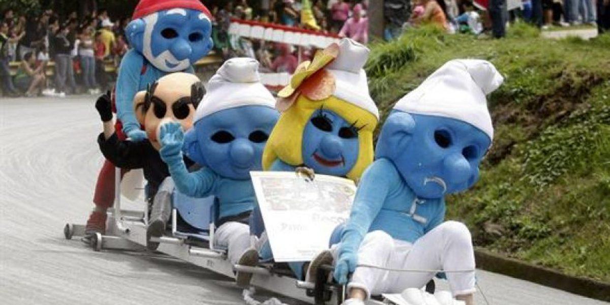 FOTOS: Divertidos y curiosos autos recorren las calles de Medellín