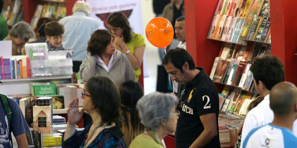 [FOTOS] Así se desarrolla la 33º versión de la Feria del Libro de Santiago