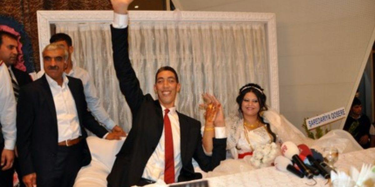 GALERÍA: Imágenes del matrimonio del hombre más grande del mundo