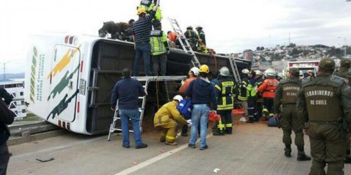 Trágico accidente en Talcahuano: Vuelca bus con escolares y deja dos muertos