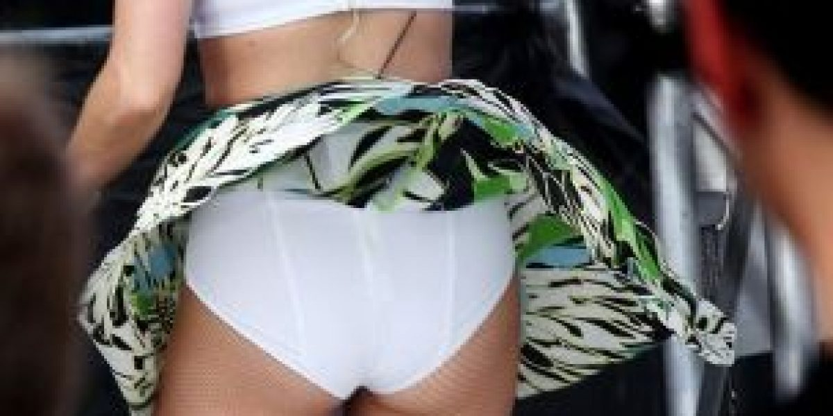 Cámaras captan bochorno de Katy Perry en el escenario
