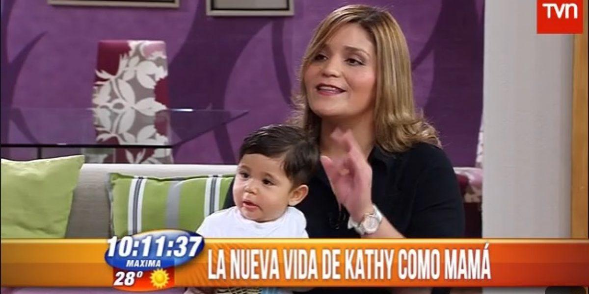 Kathy Orellana muestra a su hijo y afirma: