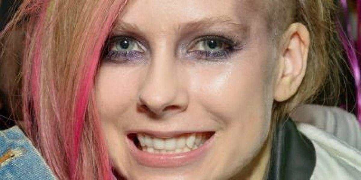 Galería: Los extravagantes look de Avril Lavigne