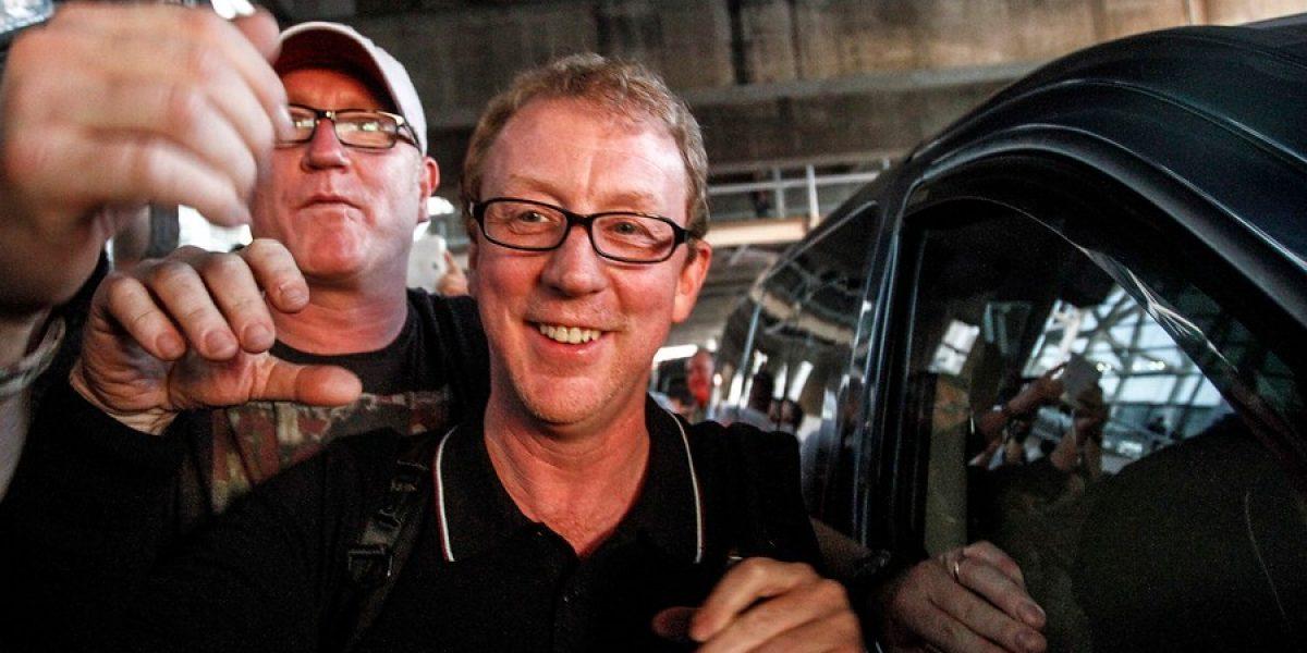 Fanáticos sorprendieron a Blur en su llegada a Chile