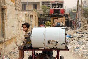 Un niño sirio en medio del conflicto en ese país.. Imagen Por: