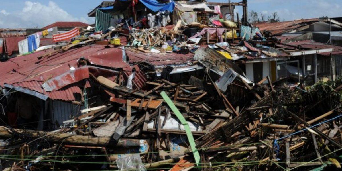 GALERÍA: Devastadoras imágenes del paso del tifón que dejó más de 10 mil muertos en Filipinas