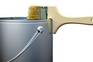 Una brocha que puede apoyarse en el tarro de pintura.. Imagen Por: